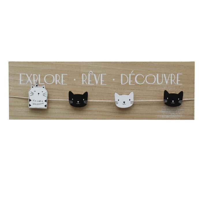 Holzwand Katzen mit Wäscheklammern