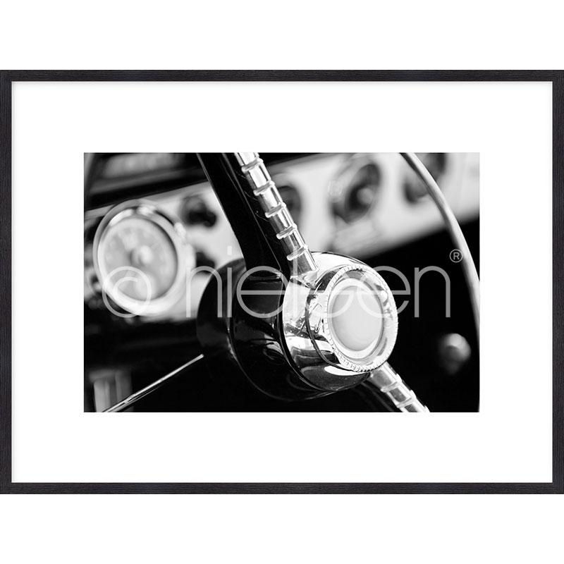 """Gerahmtes Bild """"Interior of Classic Car"""" mit Holzrahmen Quadrum"""